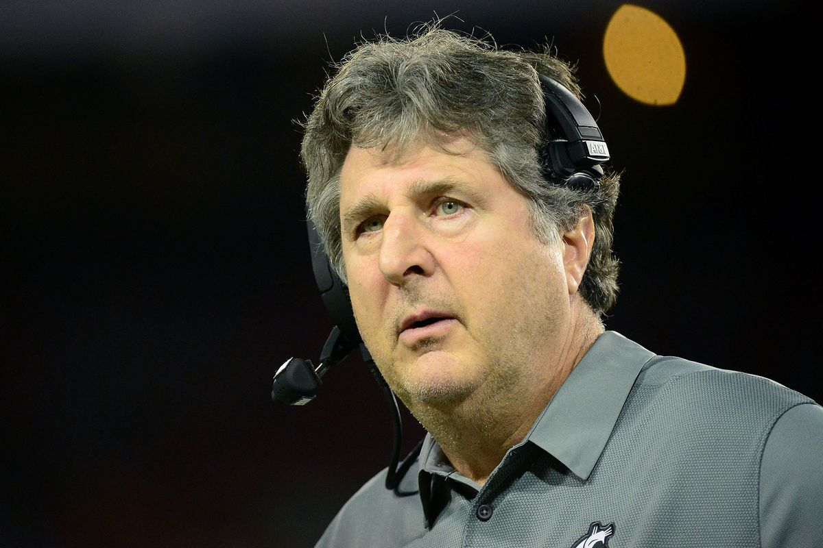 mike leach wants to debate a usa today writer after his weird