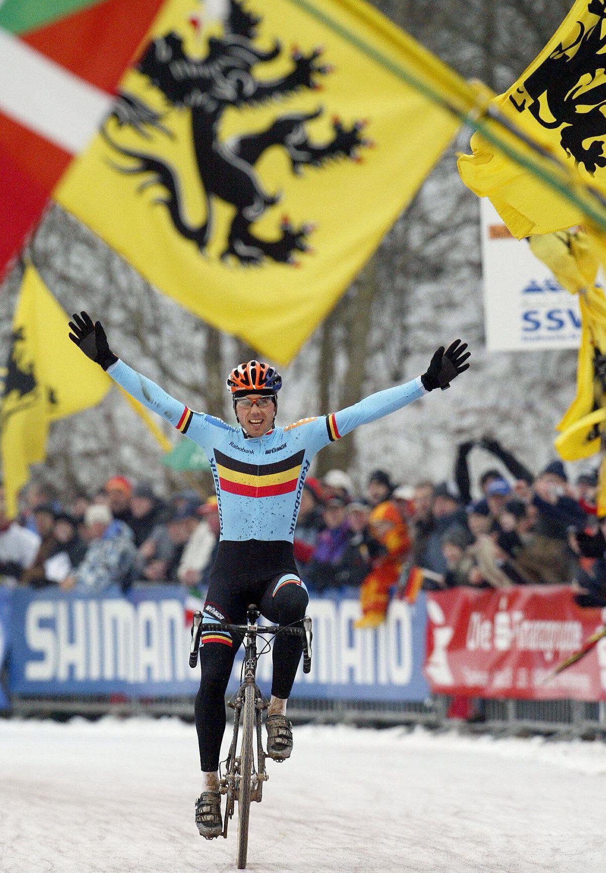Sven wins forst world title