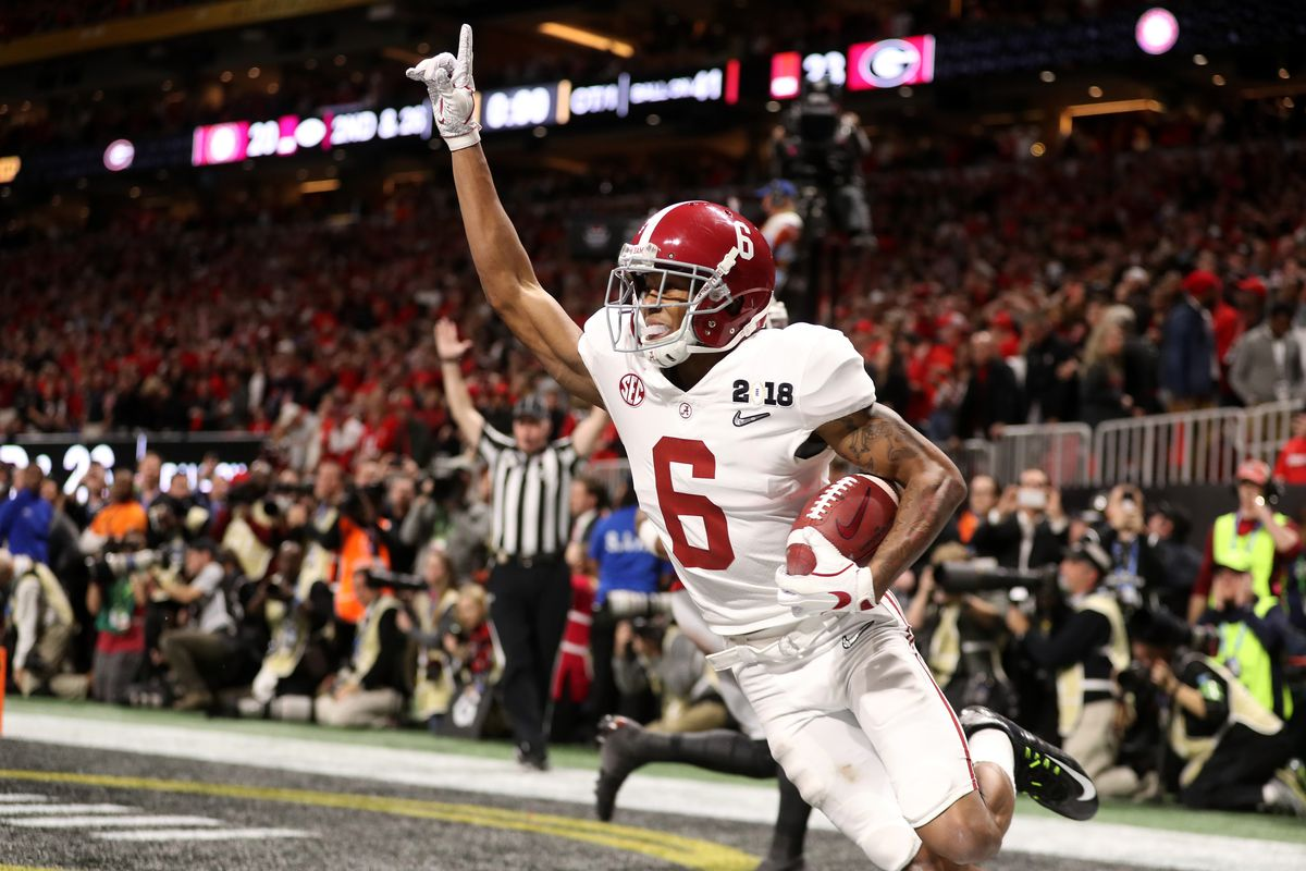 sports shoes 5be24 972c4 Alabama s DeVonta Smith catching the winning touchdown in the 2018 CFP  National Championship and pointing a
