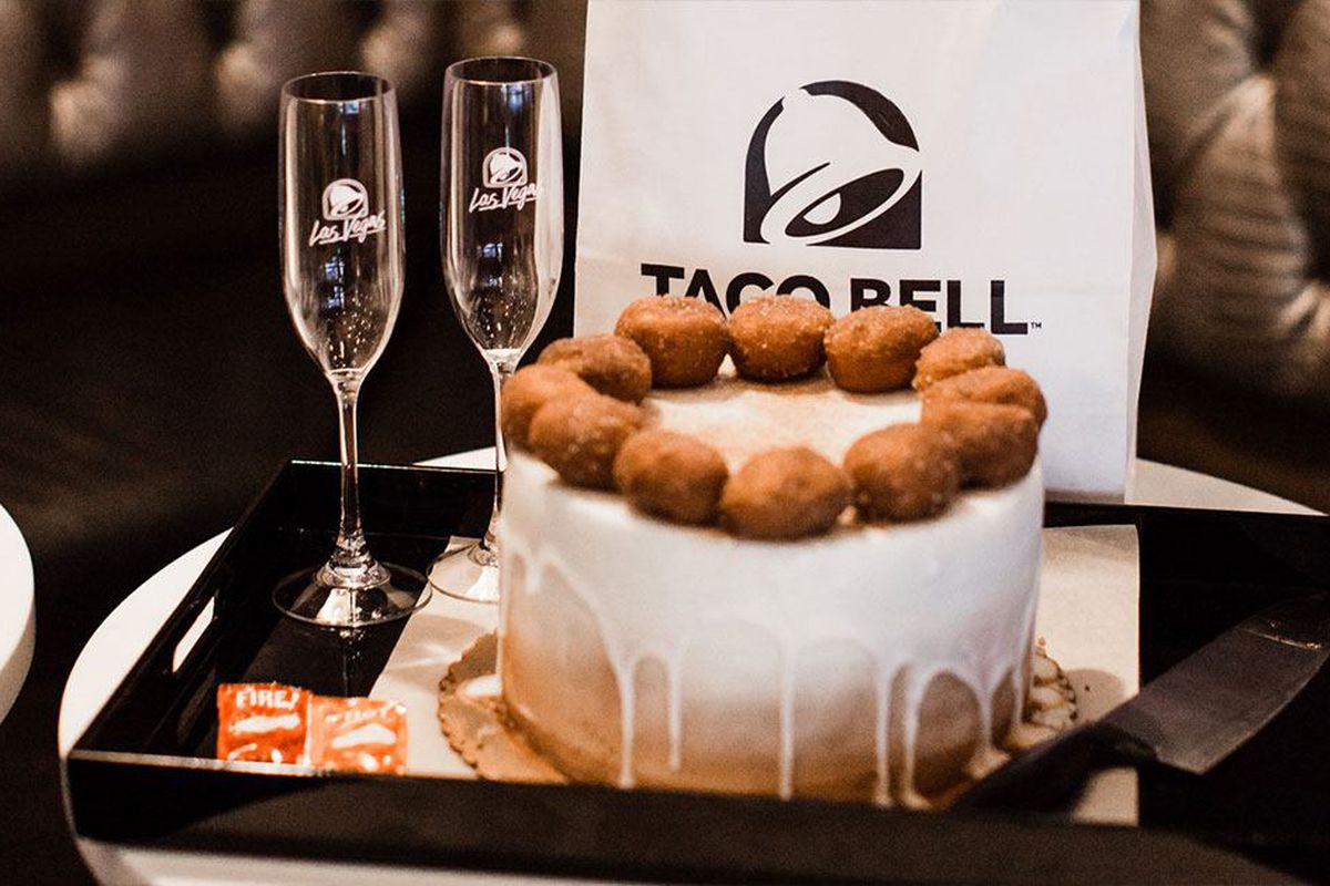 Taco Bell Cantina Expands Its Wedding Venue Space - Eater Vegas