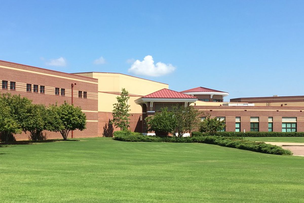 Arlington High School is a 2,000-plus-student school in suburban Shelby County in southwest Tennessee.
