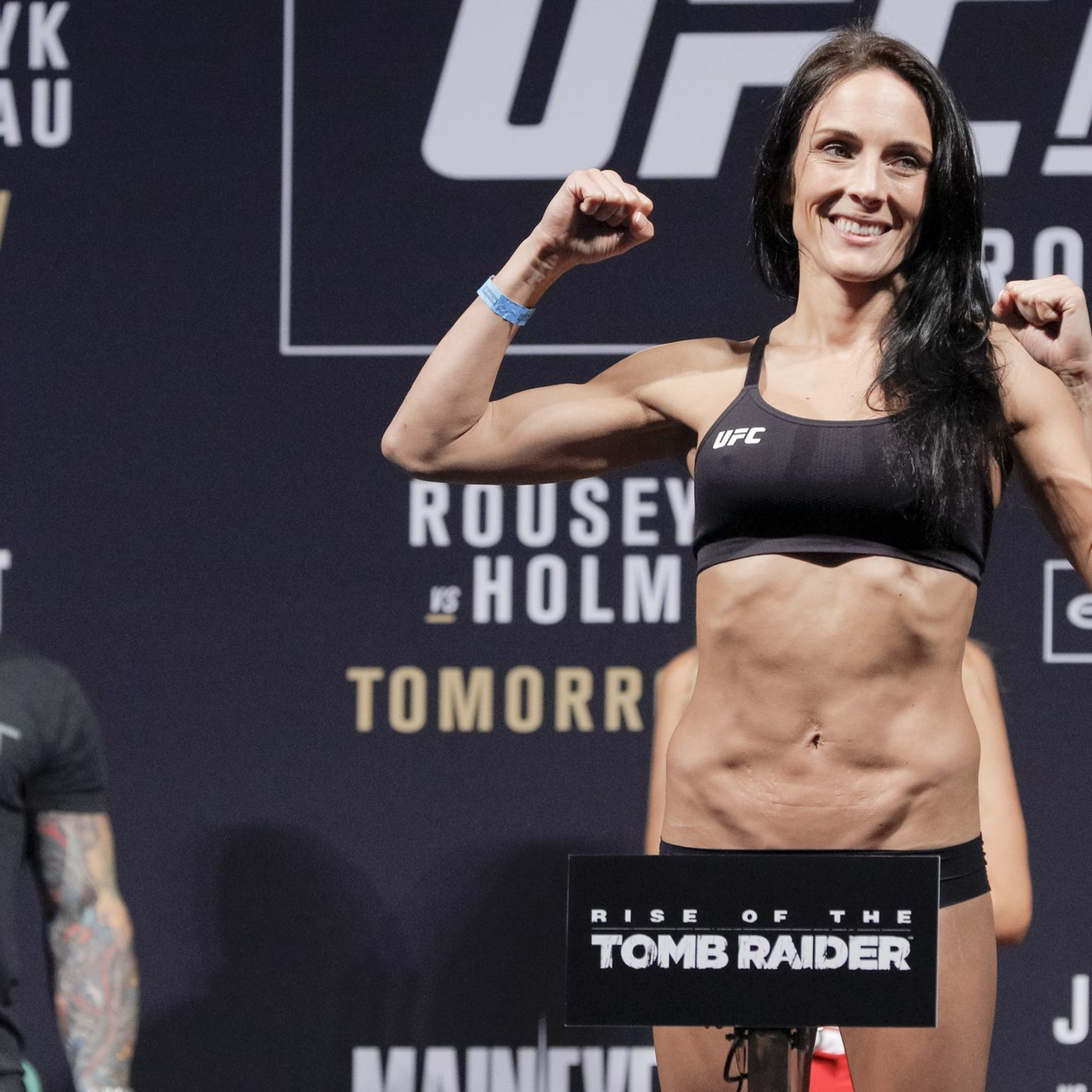 how+ufc+fighters+cut+weight+fast