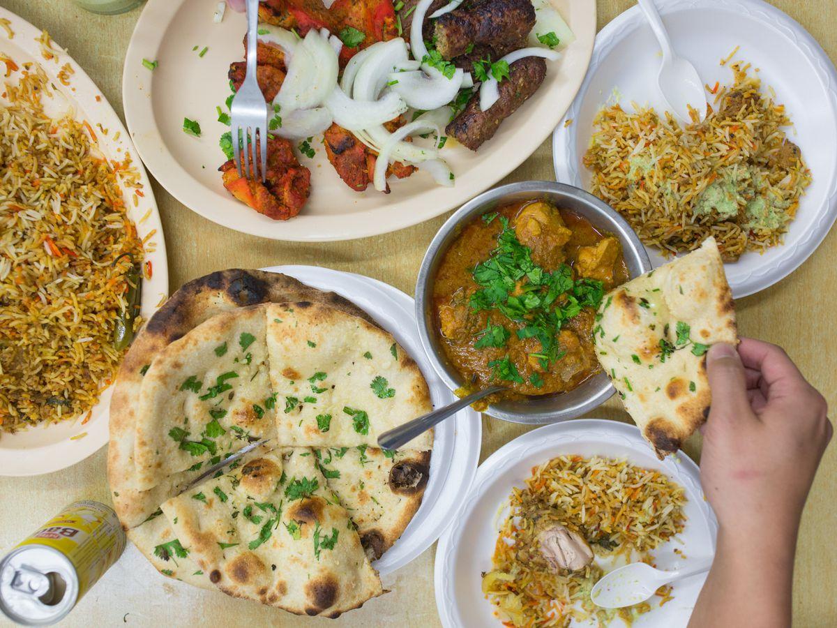 Biryani and chicken tandoori with naan at Zam Zam Market