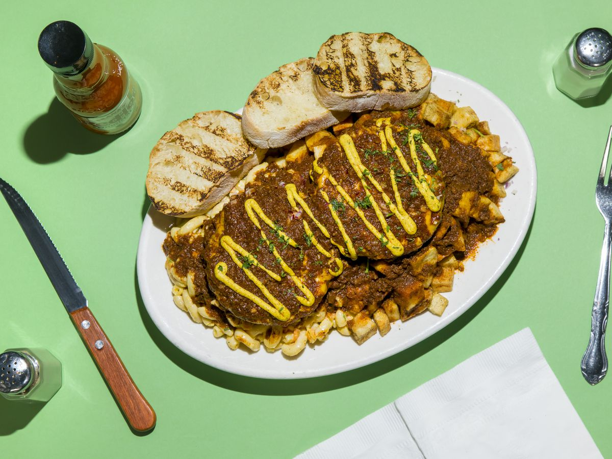 Daddy-O's garbage plate