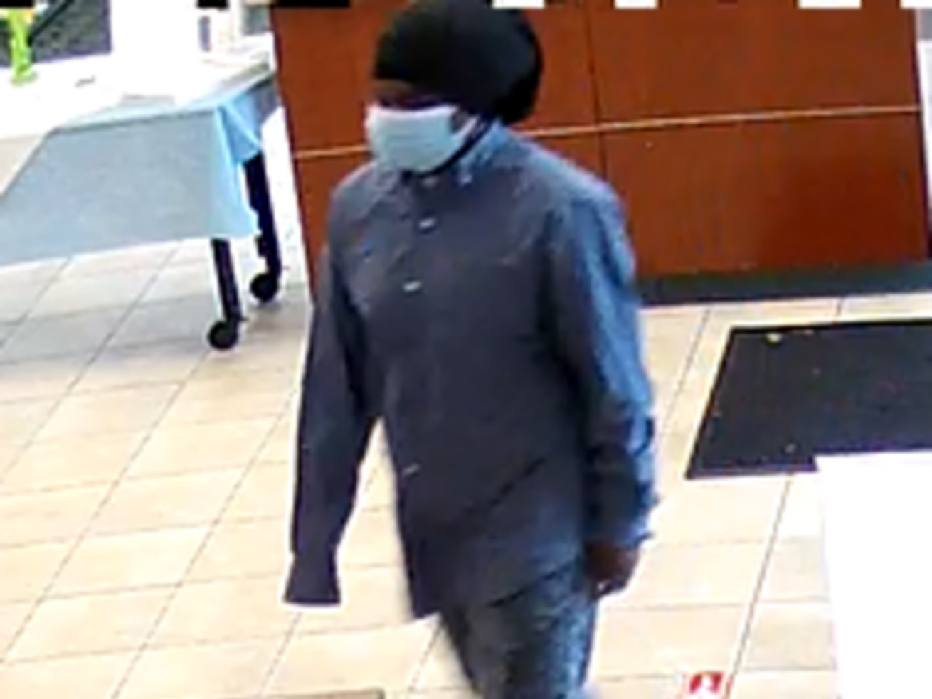 Serial bank robber wanted in SW Side, suburban heists