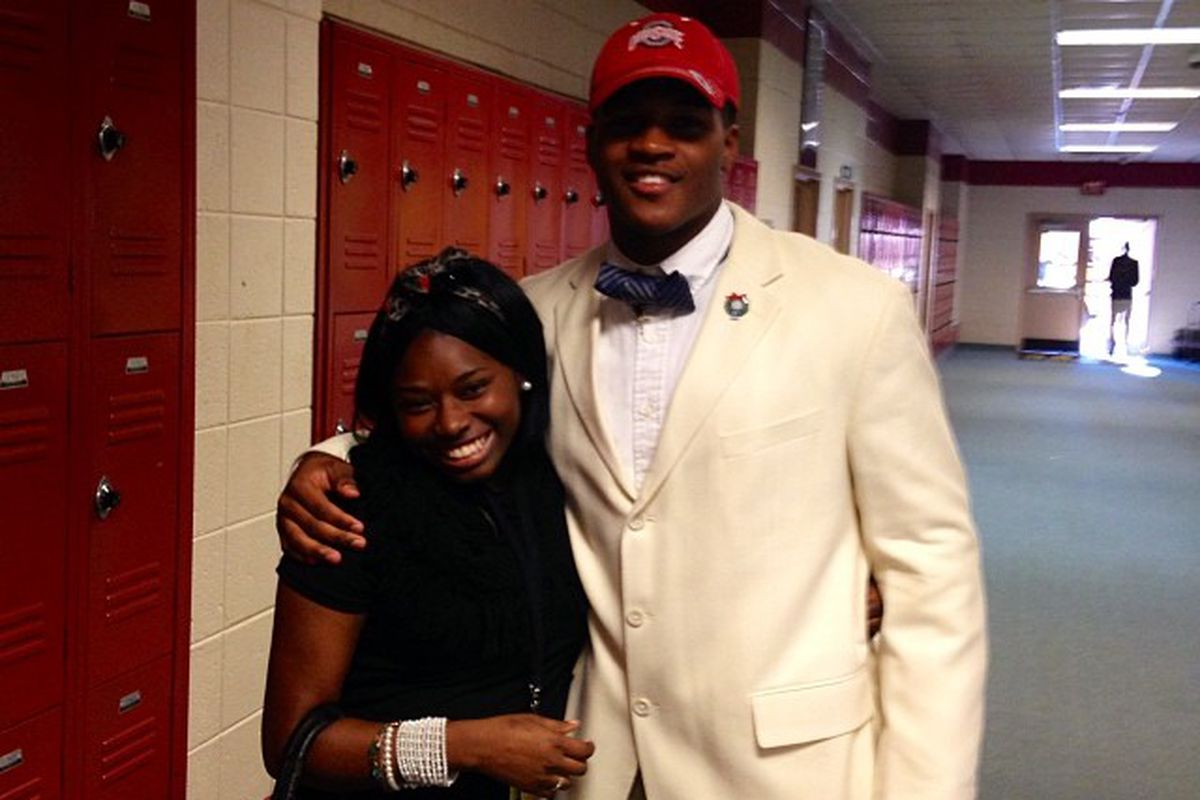'14 5-star linebacker Raekwon McMillan gave his commitment to Ohio State on Monday.