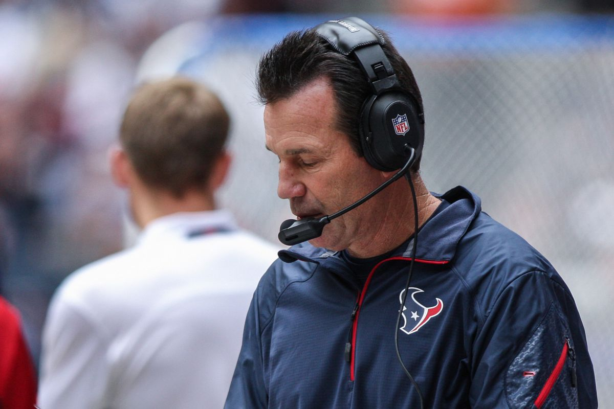 Gary Kubiak returned to the sideline last week to get a closer view of the train wreck.