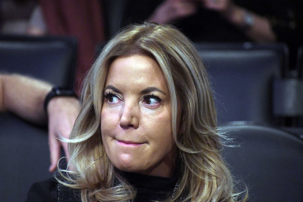 jeanie buss says people vandalizing the lebron james murals aren t