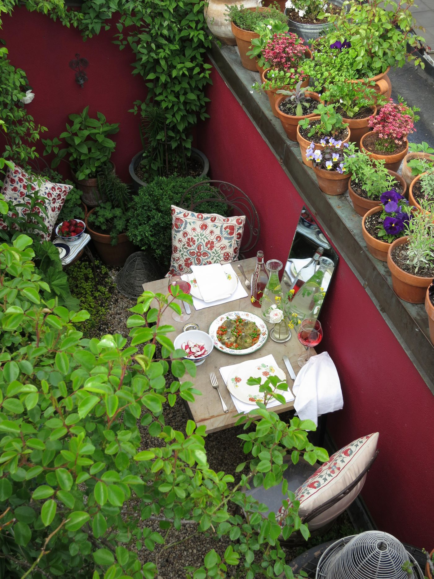 City Gardens Design Ideas And Tips For A Small Yard Curbed