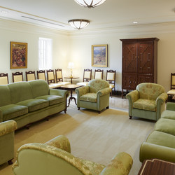 The Mesa Arizona Temple underwent an extensive three-year exterior and interior renovation that included a new guest waiting area just off the main entrance. All interior changes were done within the existing footprint of the structure.
