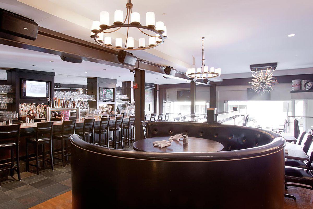 Five Horses Tavern, Davis Square