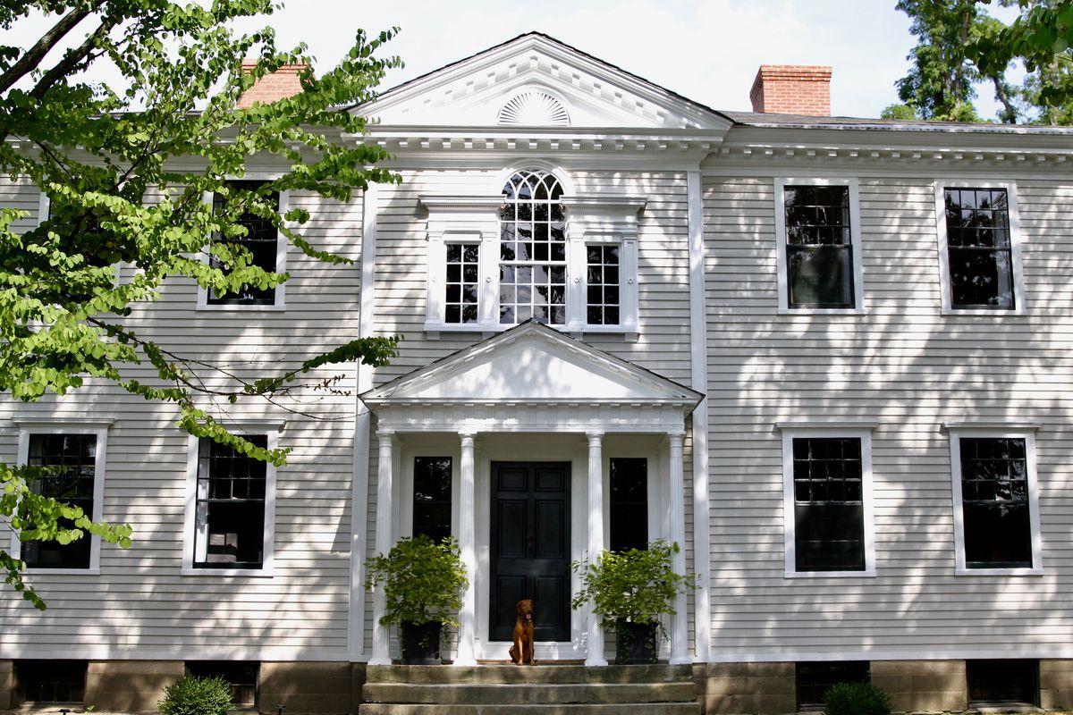 facade of federal style home