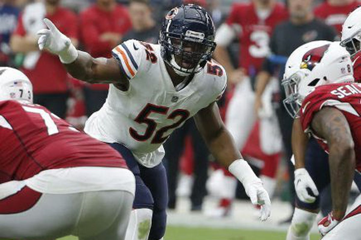 9709186ef73 Bears linebacker Khalil Mack signals at the line of Sunday. | Rick Scuteri,  AP photo