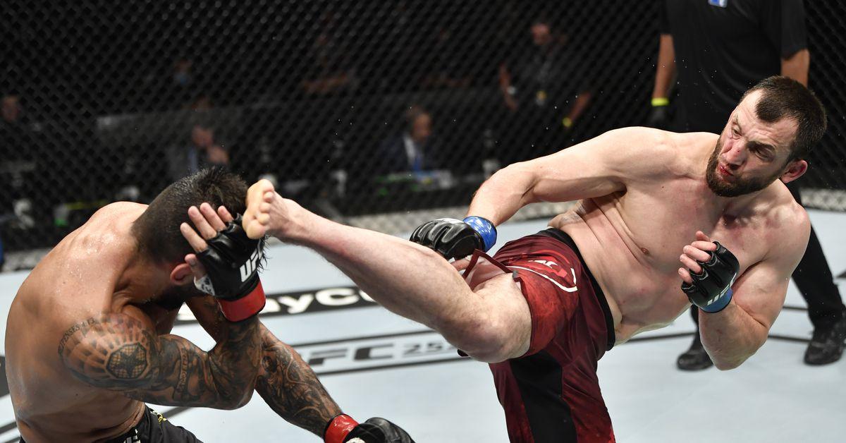 UFC books Claudio Silva vs. Muslim Salikhov for Oct. 17 Fight Night event
