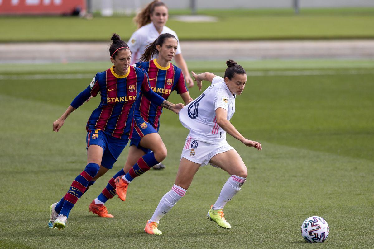 Real Madrid Femenino v FC Barcelona Femenino - Primera Iberdrola Femenina