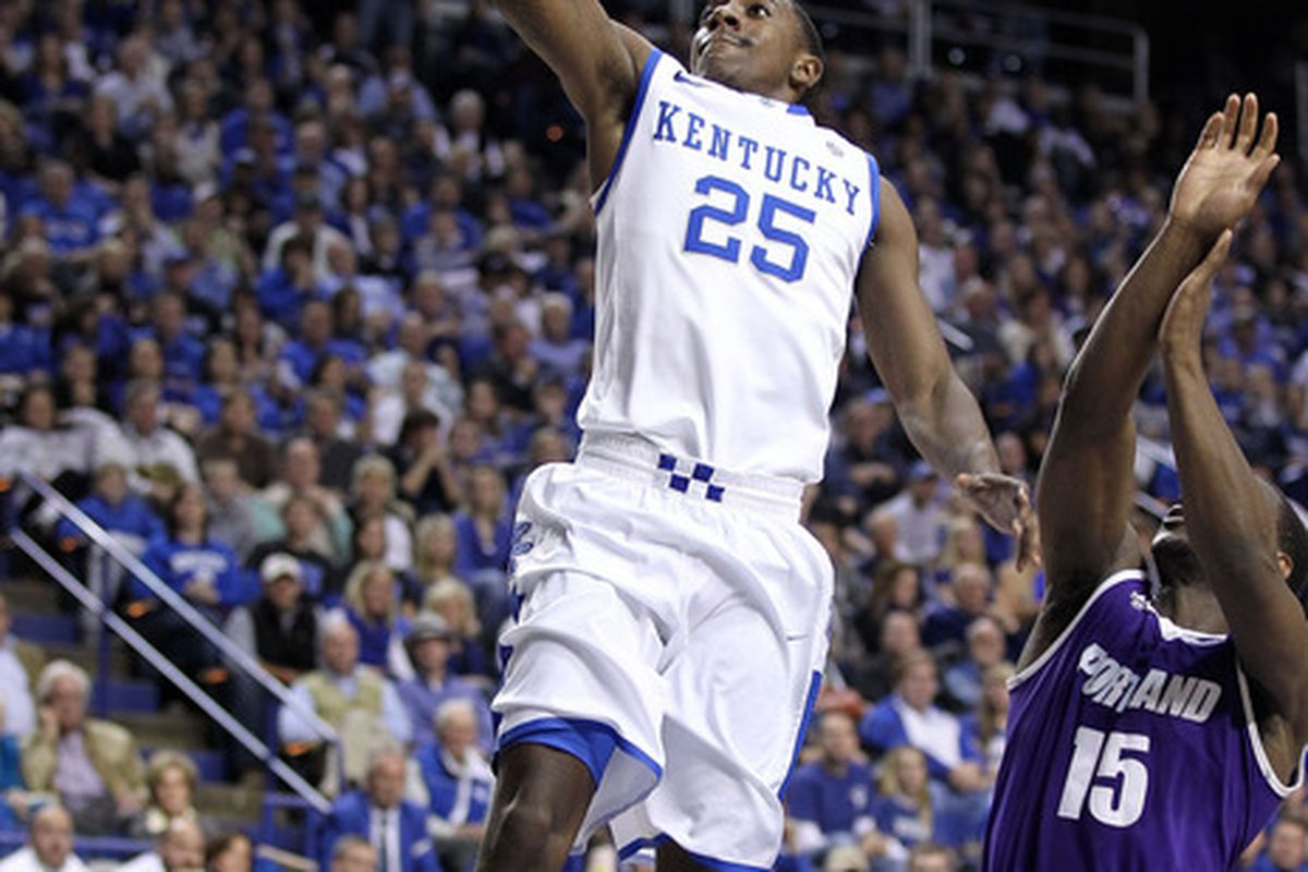 Marquis Teague #25 of the Kentucky Wildcats shoots the ball during the game against the Portland Pilots at Rupp Arena on November 26, 2011 in Lexington, Kentucky.
