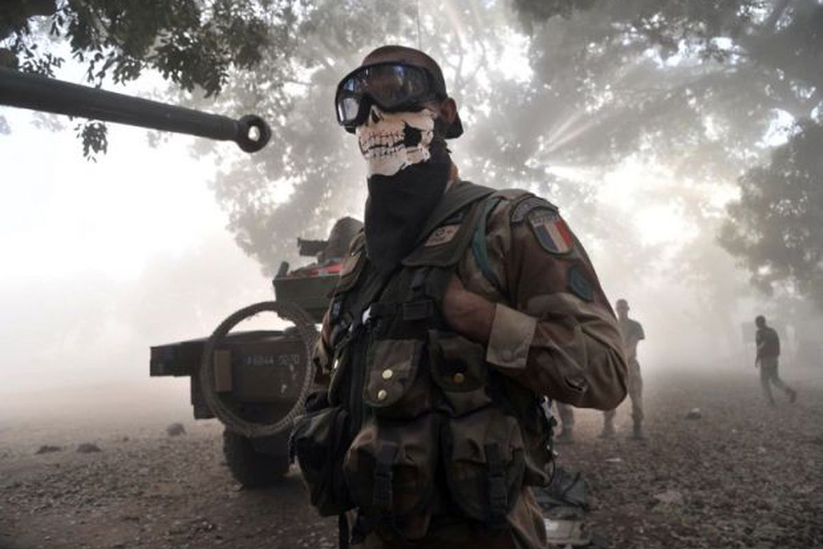 French military says a soldier wearing a Call of Duty scarf is ...
