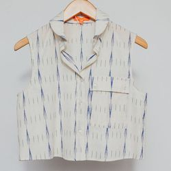 """Thomas Sires Conch Cropped Button Down, <a href=""""http://shop.thistleclover.com/collections/tops/products/thomas-sires-conch-cropped-button-down"""">$172</a>"""