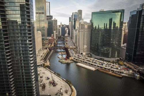 Chicago is home to a dozen Fortune 500 companies and hundreds of promising start-ups.   Sun-Times Photo