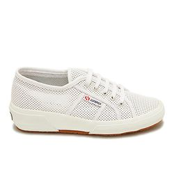 Perforated summer sneaker