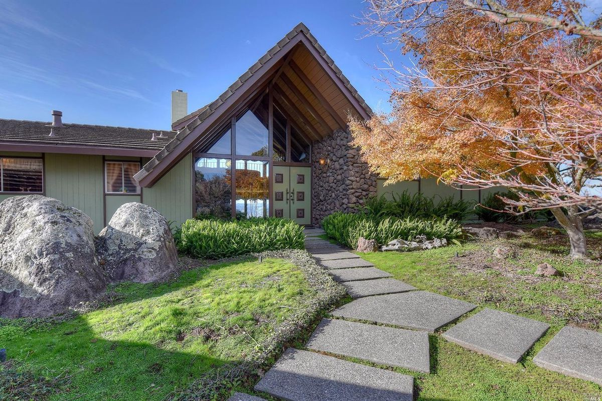 Untouched Midcentury In Napa Dazzles Asks 1 9 Million