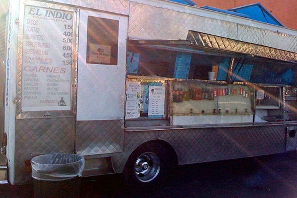 The heavens shine upon taco trucks.
