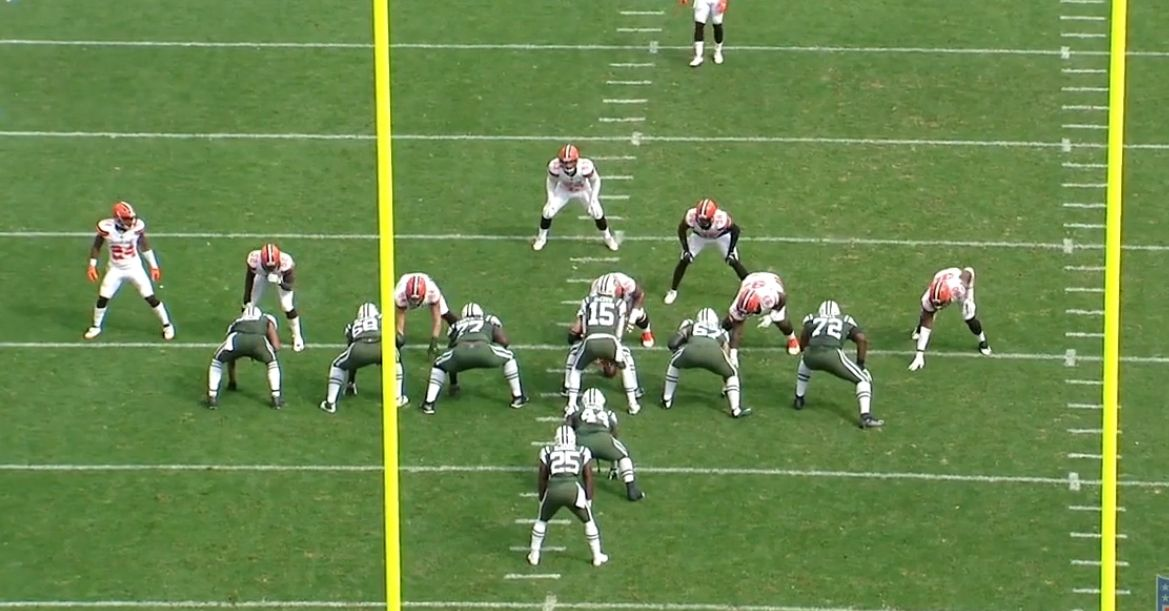 7233e0b1f89 Shelton is again lined up over the Center while Ogbah is on the right in  the 7 technique to the outside shoulder of the Right Tackle.