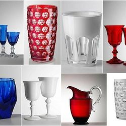 """""""Like looking fancy, but prefer faux? This acrylic glassware from Mario Luca Giusti, found at <a href=""""http://www.susanfredman.com/"""">Susan Fredman</a>, are the perfect way to dress up your 4th of July and not worry about broken glass around bare feet."""" ["""