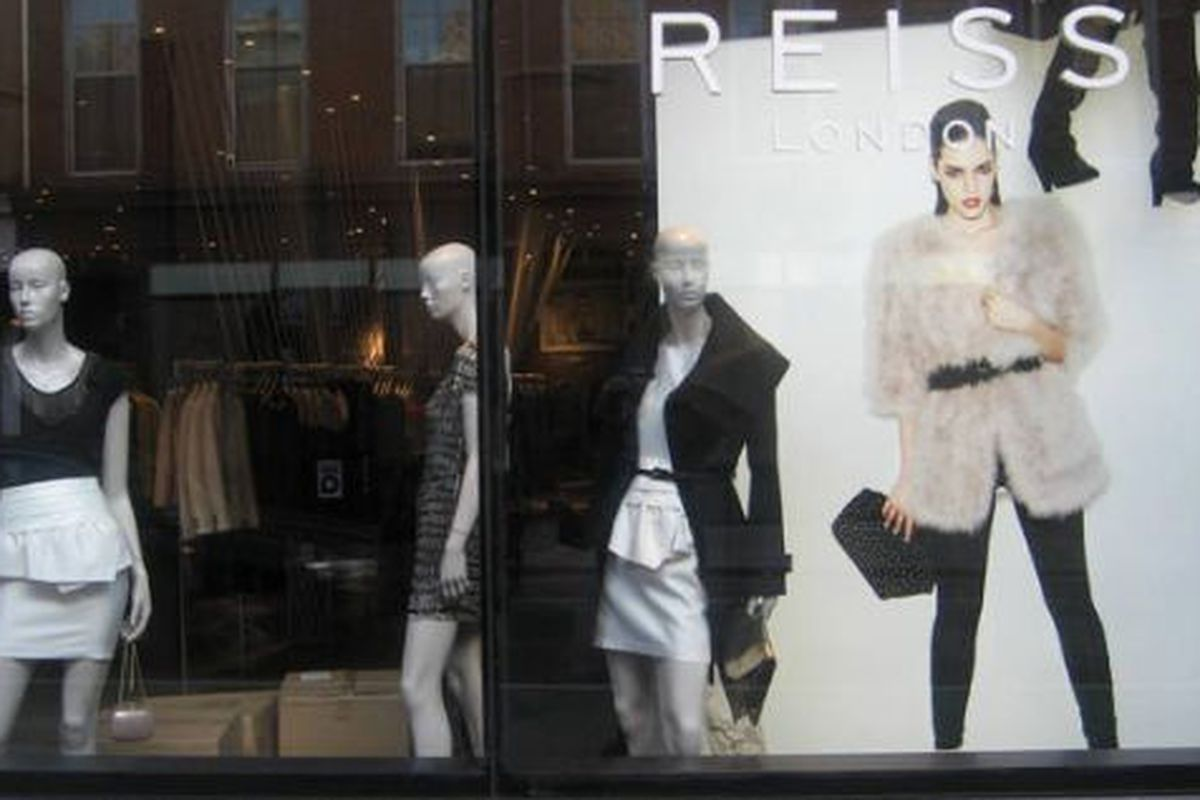 """Image via <a href=""""http://www.theclothesyouwear.com/blog/2009/12/07/reiss-london-glamour-with-a-capitol-g/"""">The Clothes You Wear</a>"""