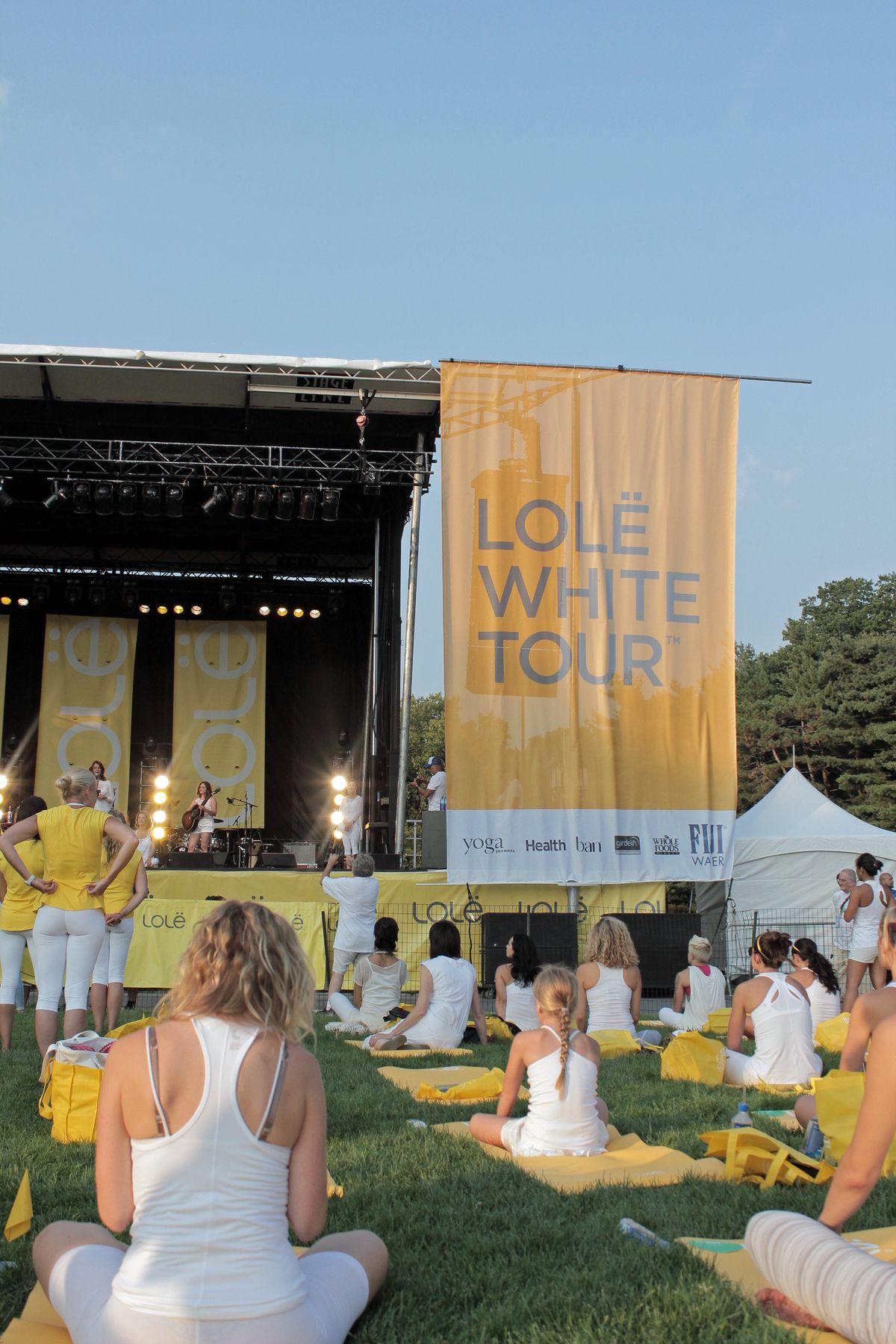 lole-white-tour