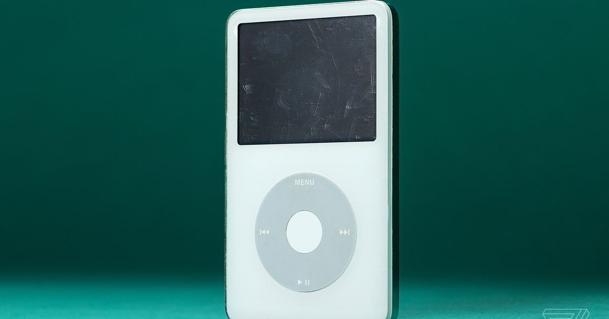 Go read how the US government built a top-secret iPod right under Steve Jobs' nose thumbnail