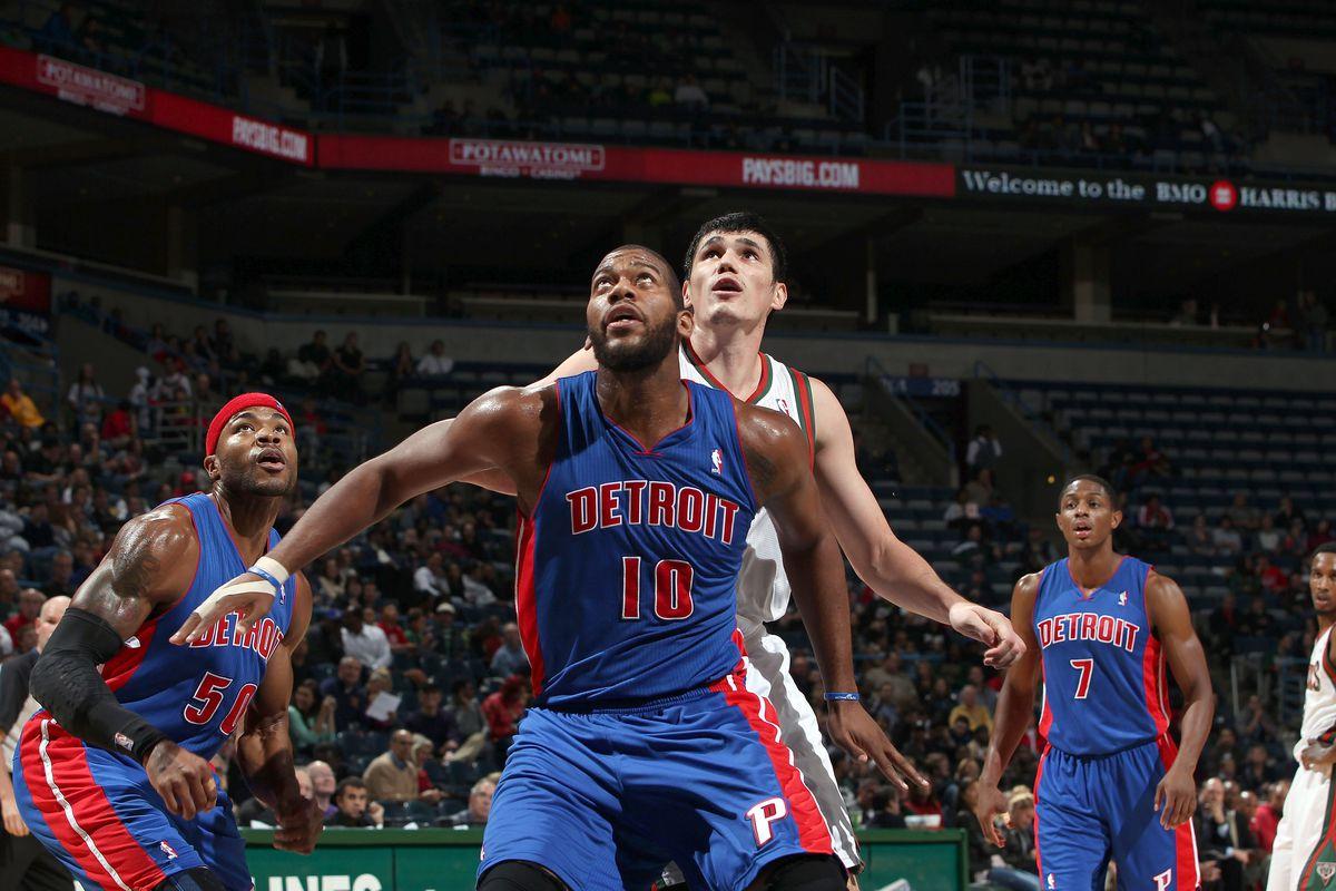 Detroit Pistons v Milwaukee Bucks