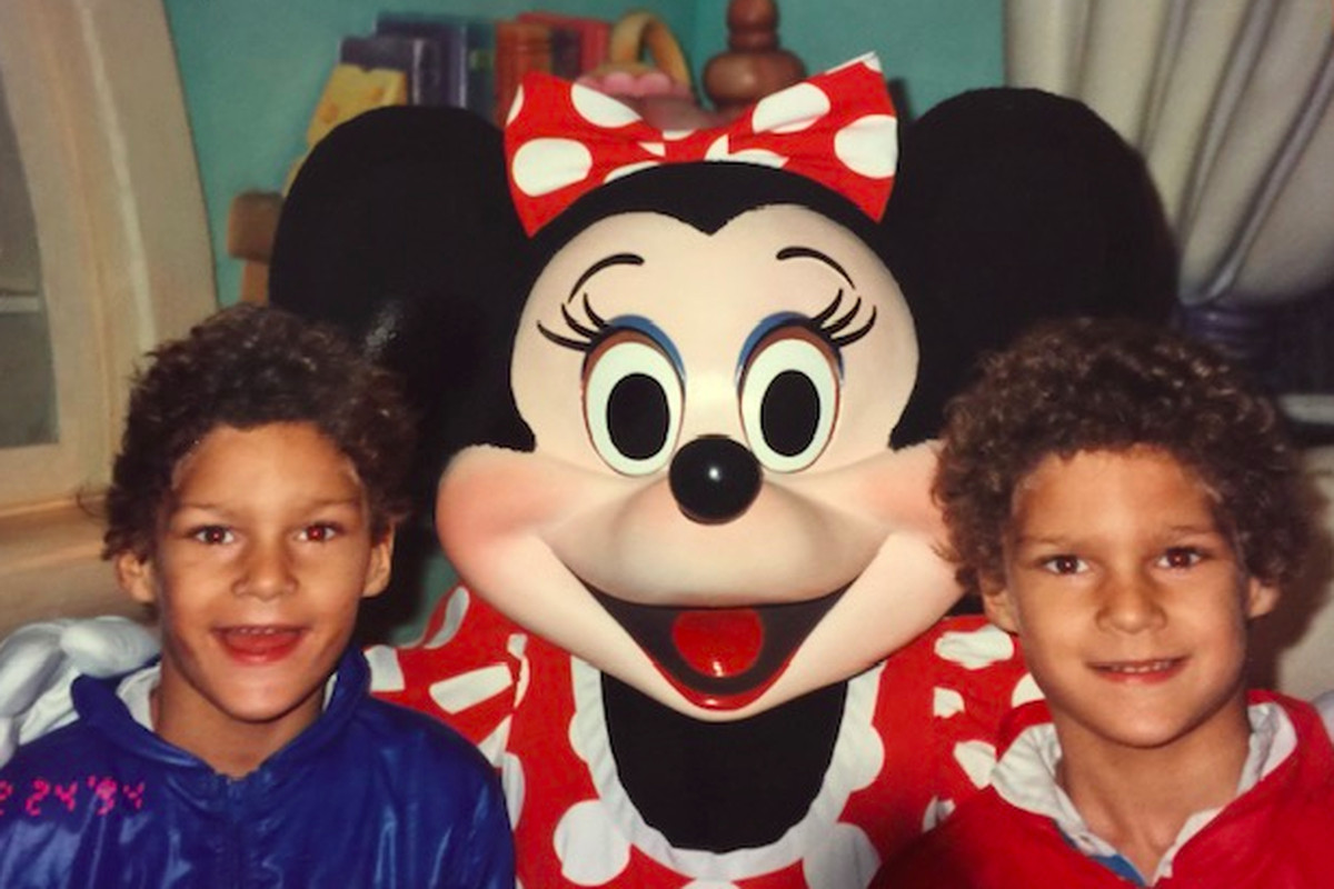 Robin and Brook Lopez as children with Minnie Mouse.
