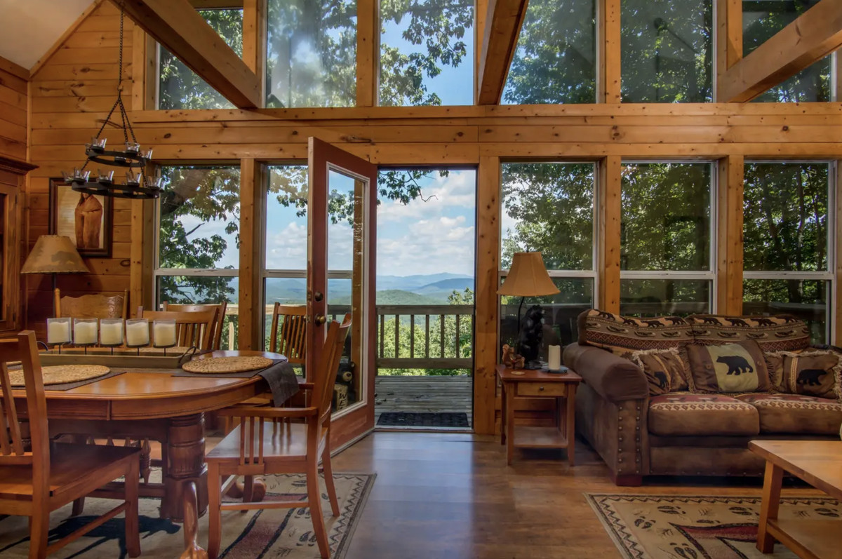All across Georgia, 8 amazing vacation homes for rent in