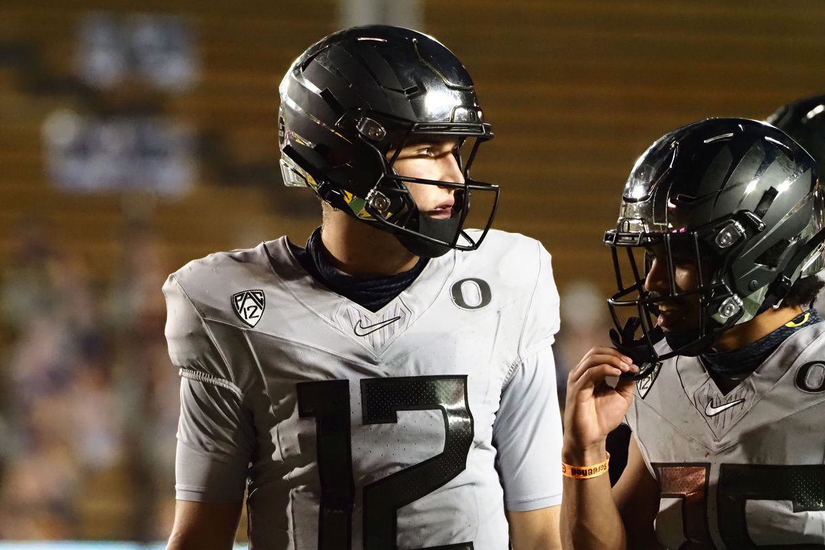 Oregon Ducks quarterback Tyler Shough looks to the sideline between plays against the California Golden Bears during the fourth quarter at California Memorial Stadium.