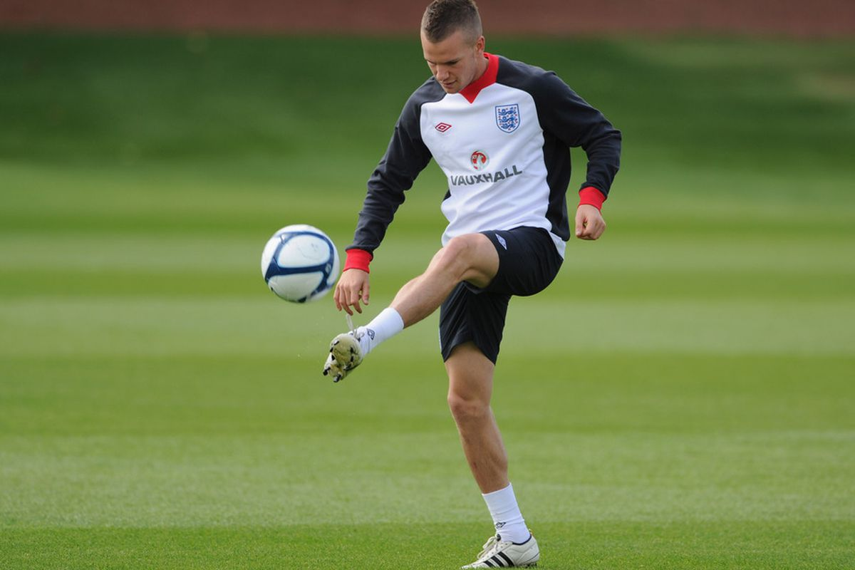 Tom Cleverley is ready to return for tomorrow's Liverpool match