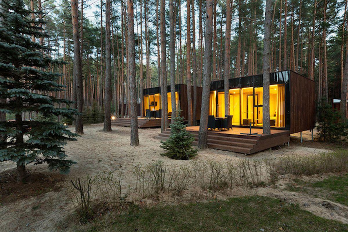 "All photos by <a href=""http://avdeenko.com.ua/"">Andrey Avdeenkovia</a> via <a href=""http://www.designboom.com/architecture/yod-design-lab-guest-houses-in-relax-park-verholy-ukraine-05-18-2015/"">Designboom</a>"