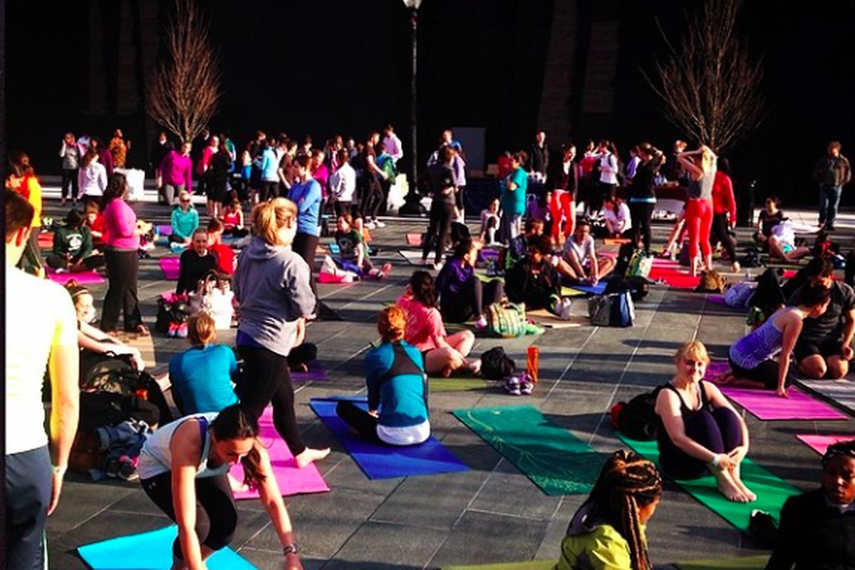 """Power Yoga at CityCenterDC for <a href=""""http://www.citycenterdc.com/news/citycenterdc-vida-fitness-present-toned-tuesdays-month-april"""">Toned-Up Tuesdays</a> via ckontrahealth/<a href=""""http://instagram.com/p/mjBncwgiIO/"""">Instagram</a>"""