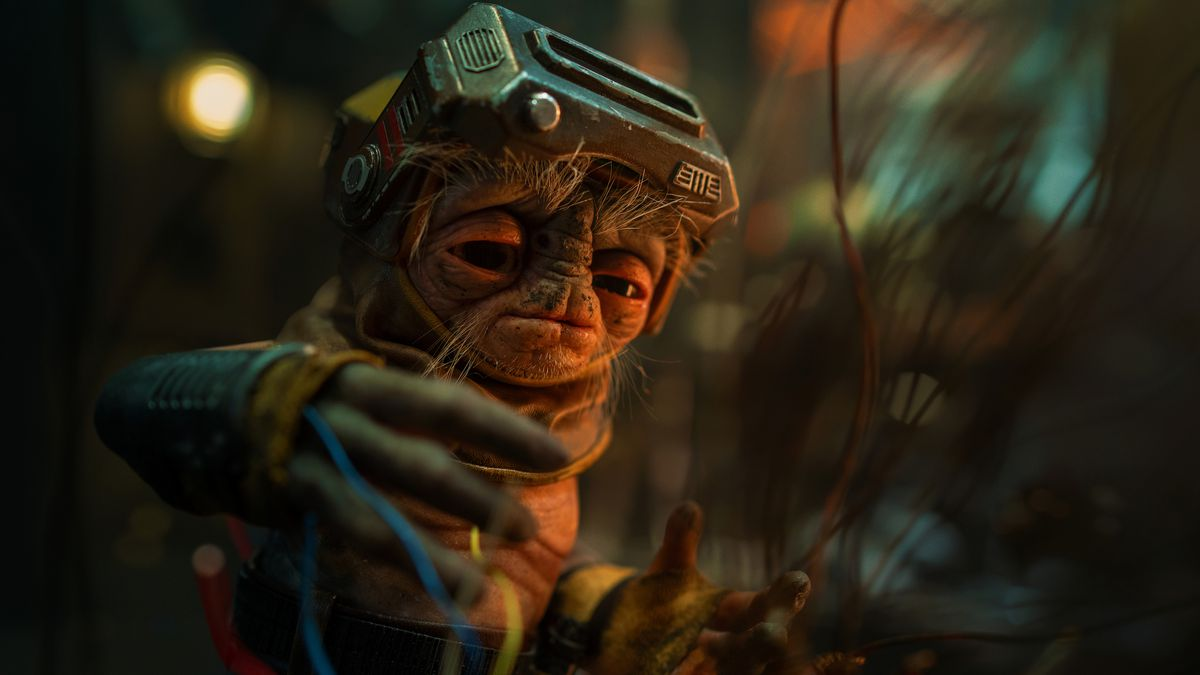 babu frik fixes a droid in Star Wars: The Rise of Skywalker