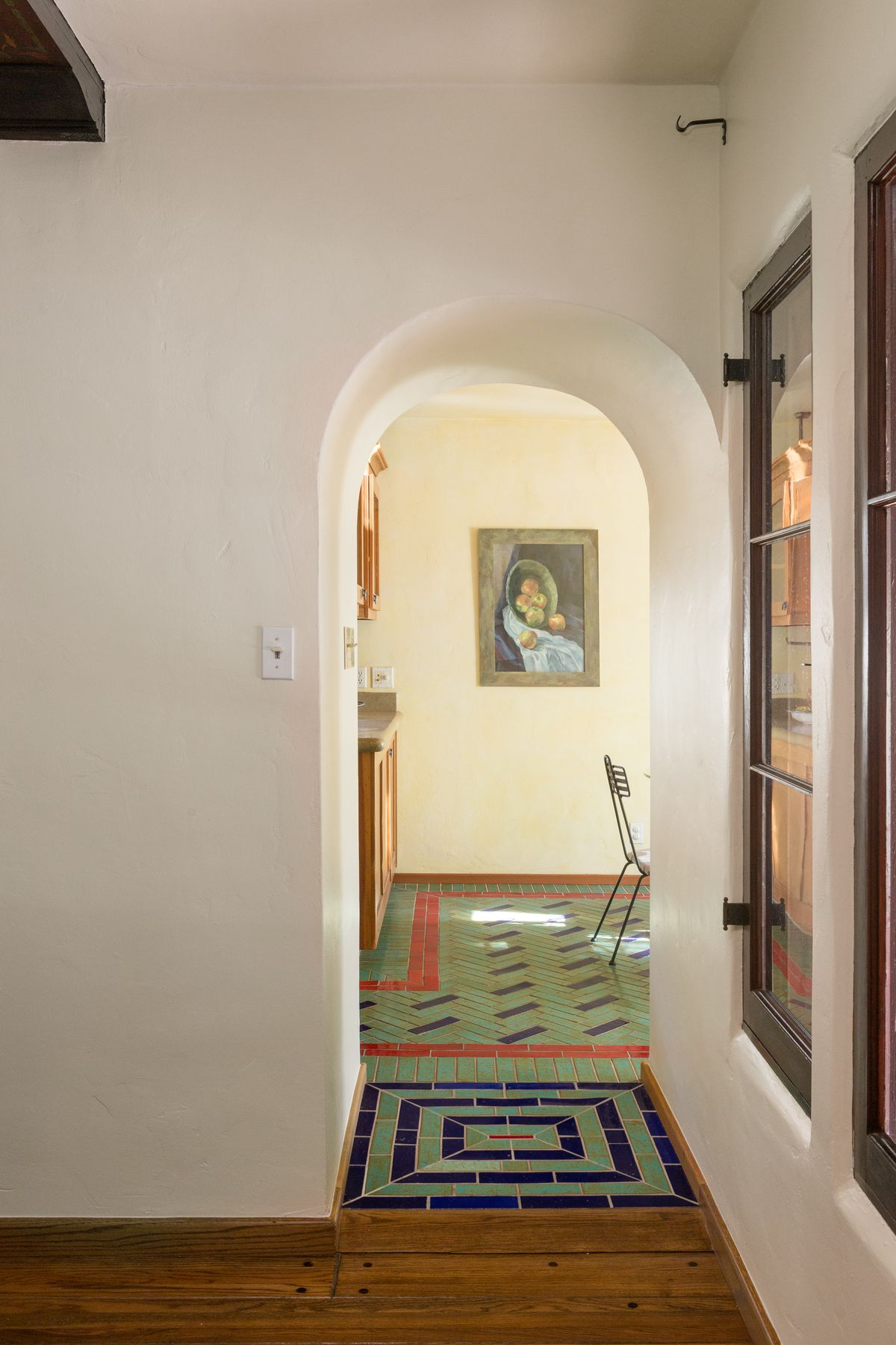 Spanish-style house oozes charm and color for $875K in Glendale ...