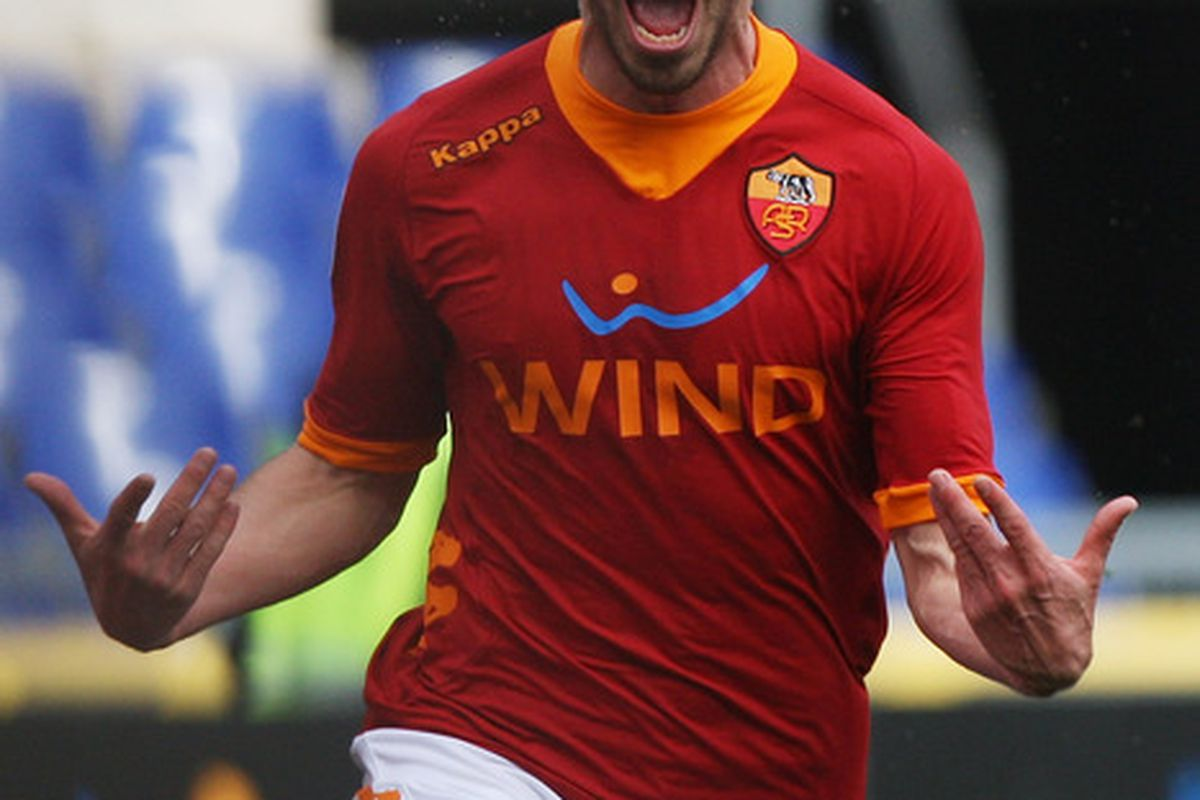 ROME, ITALY - FEBRUARY 19:  Fabio Borini of AS Roma celebrates after scoring the opening goal during the Serie A match between AS Roma and Parma FC at Stadio Olimpico on February 19, 2012 in Rome, Italy.  (Photo by Paolo Bruno/Getty Images)