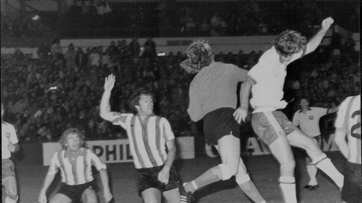 Soccer match played between Australia and Sunderland (striped jumpers) the 2nd division English side at the Sydney Sports ground.