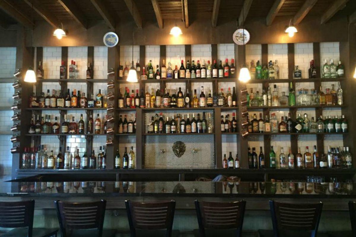 The bar at Amari.