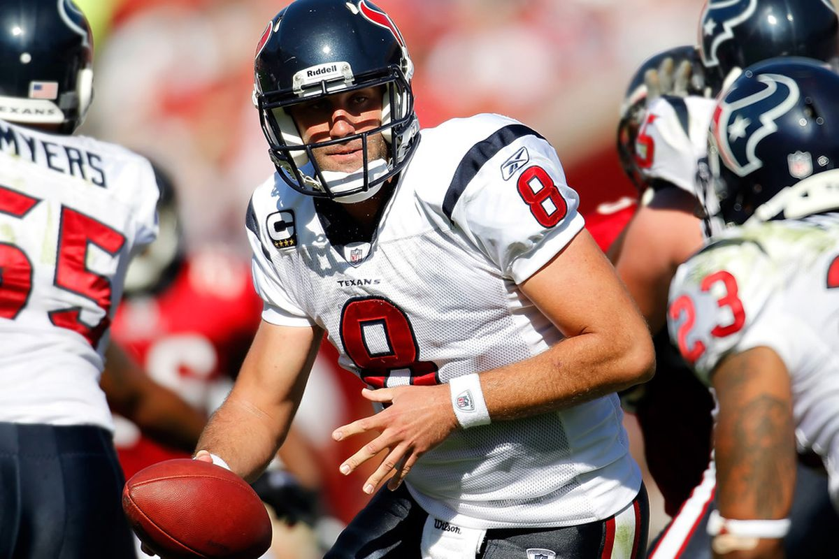 TAMPA, FL - NOVEMBER 13:  Quarterback Matt Schaub #8 of the Houston Texans looks to hand the ball off against the Tampa Bay Buccaneers during the game at Raymond James Stadium on November 13, 2011 in Tampa, Florida.  (Photo by J. Meric/Getty Images)