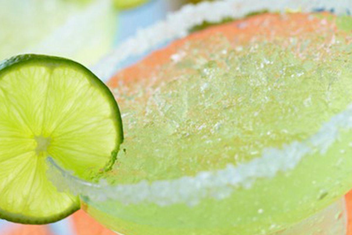"""Image via <a href=""""""""></a><a href=""""http://www.dashrecipes.com/recipes/wm/fresh-lime-margaritas.html"""">Dash Recipes</a>"""