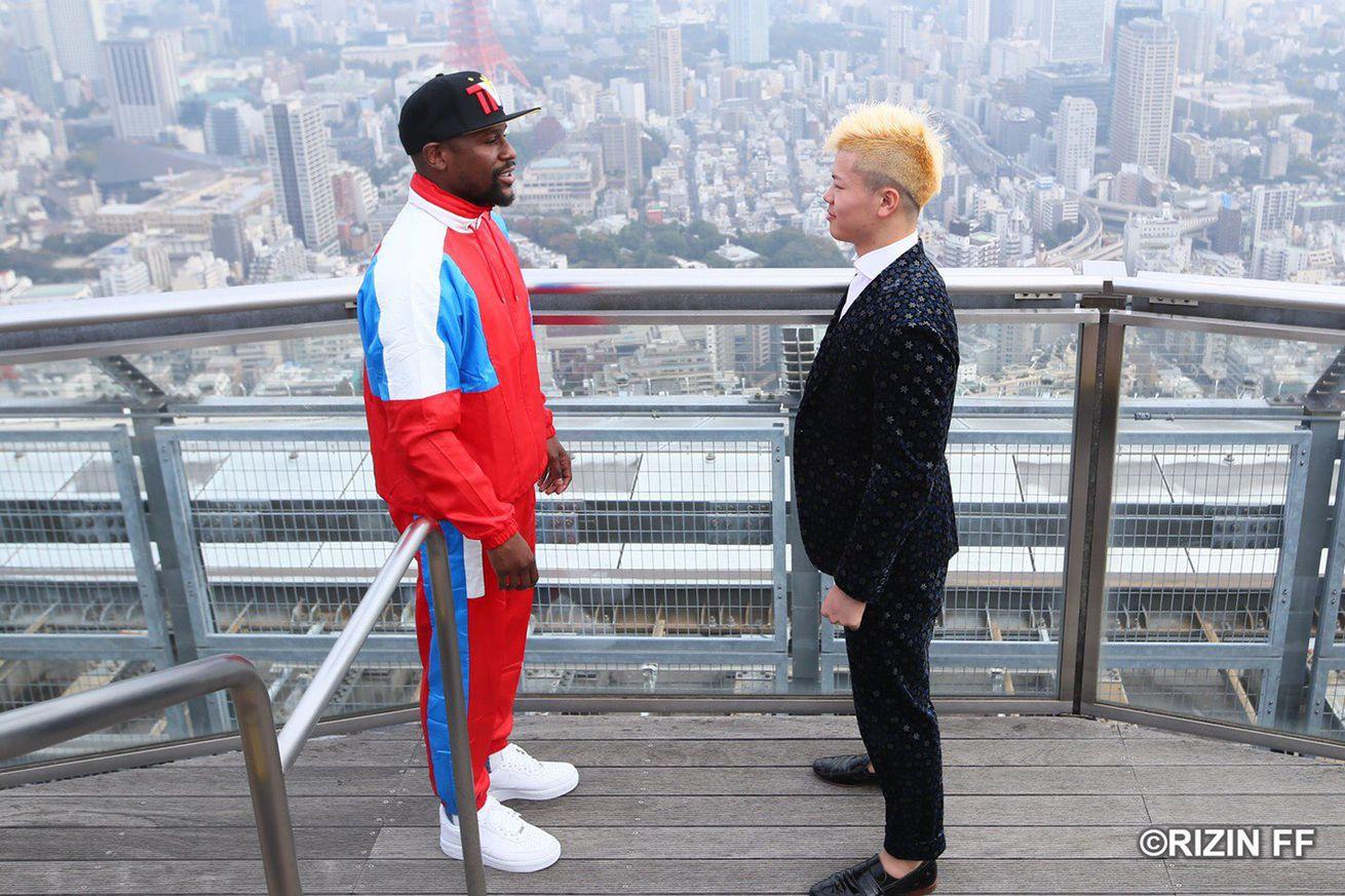 Tenshin Nasukawa (right) will face Floyd Mayweather in Saitama, Japan, in December.