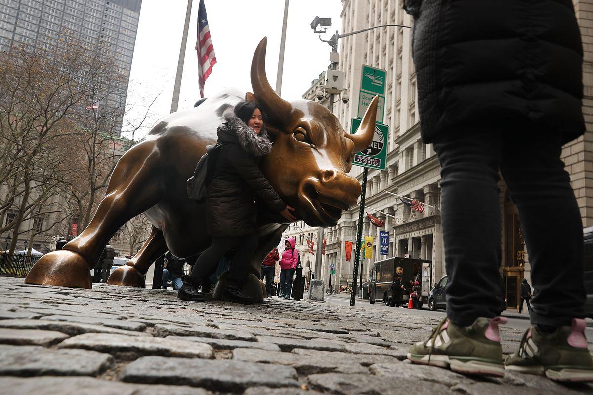 Charging Bull sculpture on Wall Street