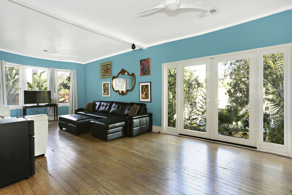 Turn-of-the-century Echo Park cottage with potential seeks $800K ...