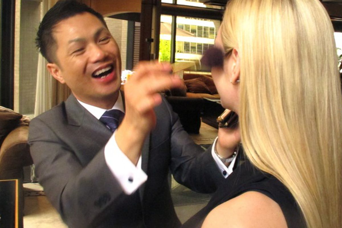 """Image of Alan Pan in action via <a href=""""http://www.the-anthology.com/2011/06/beauty-estee-lauder-alan-pan/"""">The Anthology</a>"""