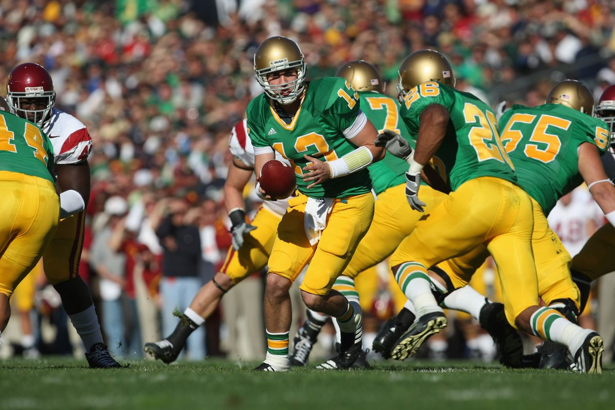Notre Dame green alternate jerseys have nearly 100-year history ... b1bdcd259